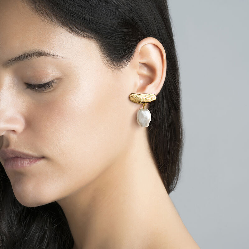 Gold asymmetric pearl earrings, J04054-02-WP, hi-res