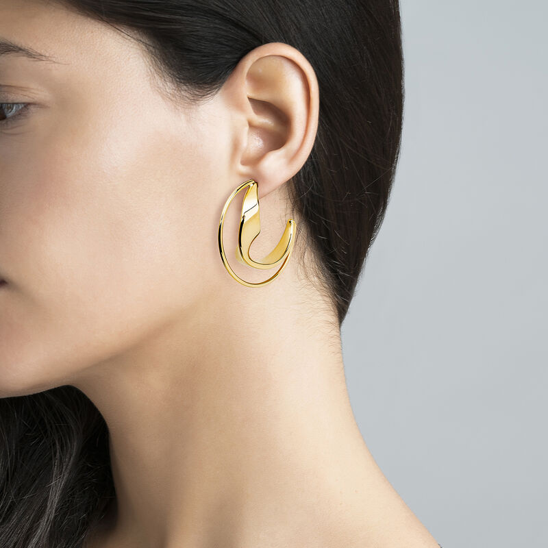 Large sculptural hoop earrings yellow gold, J04218-02, hi-res