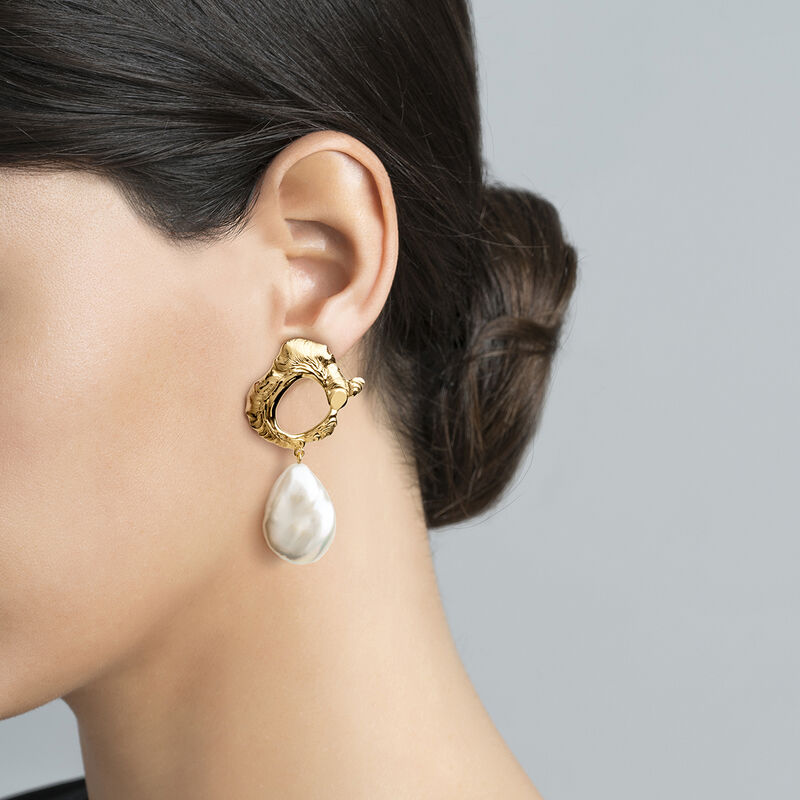 Gold oval pearl earrings, J04052-02-WP, hi-res