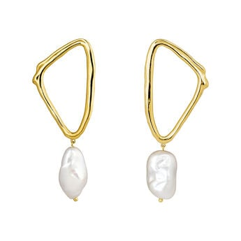 Gold plated triangular earrings with baroque pearl, J04200-02-WP, hi-res