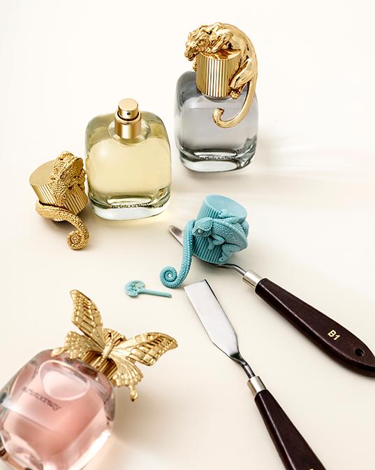 Bodegón perfumes de mujer aristocrazy